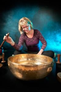 En udstilling, hvor Anne Viese ønsker at lade beskueren stimuleres gennem flere sanser.