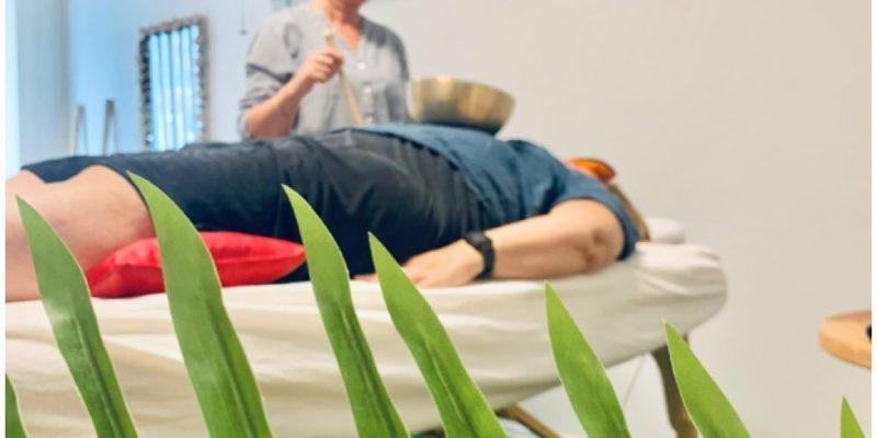 Klangskåle behandling på kroppen