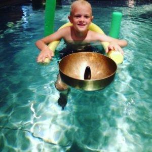 Klangmassage i vandet