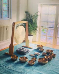 Meditation til lyden af klangskåle